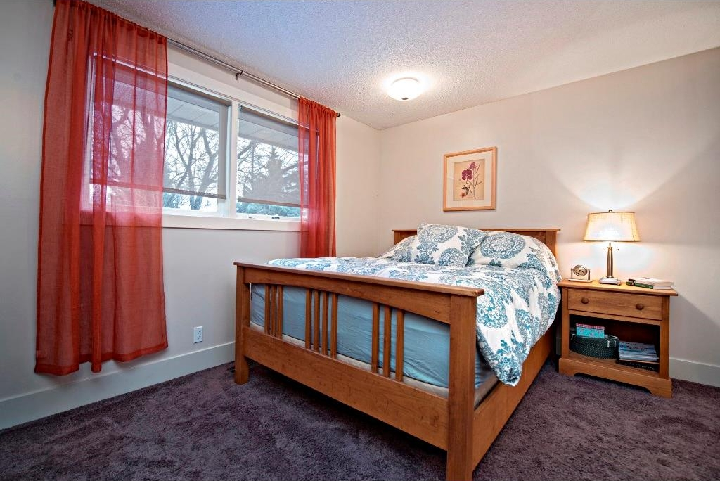 Photo 10: 3743 LOGAN Crescent SW in Calgary: Lakeview House for sale : MLS® # C4131777