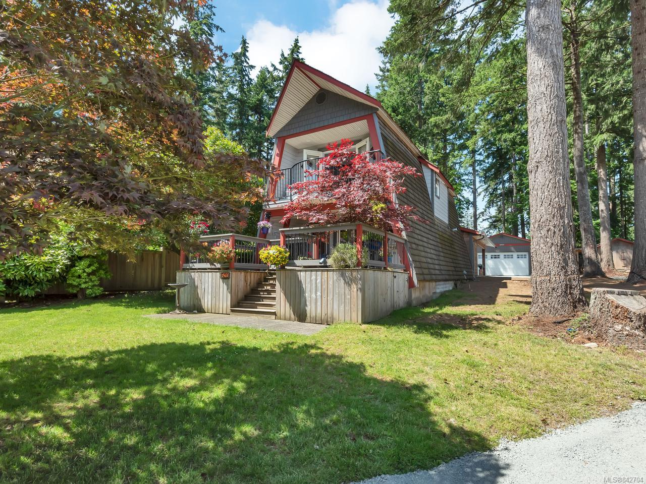 FEATURED LISTING: 520 Old Petersen Rd CAMPBELL RIVER