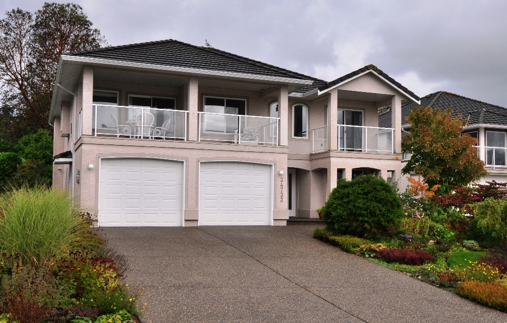 "Main Photo: 34733 PAKENHAM Place in Mission: Hatzic House for sale in ""Riverbend Estates"" : MLS®# F1125828"