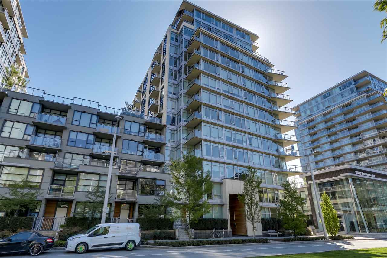 "Main Photo: 903 138 W 1ST Avenue in Vancouver: False Creek Condo for sale in ""Wall Centre"" (Vancouver West)  : MLS®# R2062057"