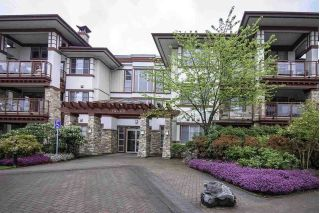 "Main Photo: 105 16469 64 Avenue in Surrey: Cloverdale BC Condo for sale in ""St. Andrews"" (Cloverdale)  : MLS®# R2262272"