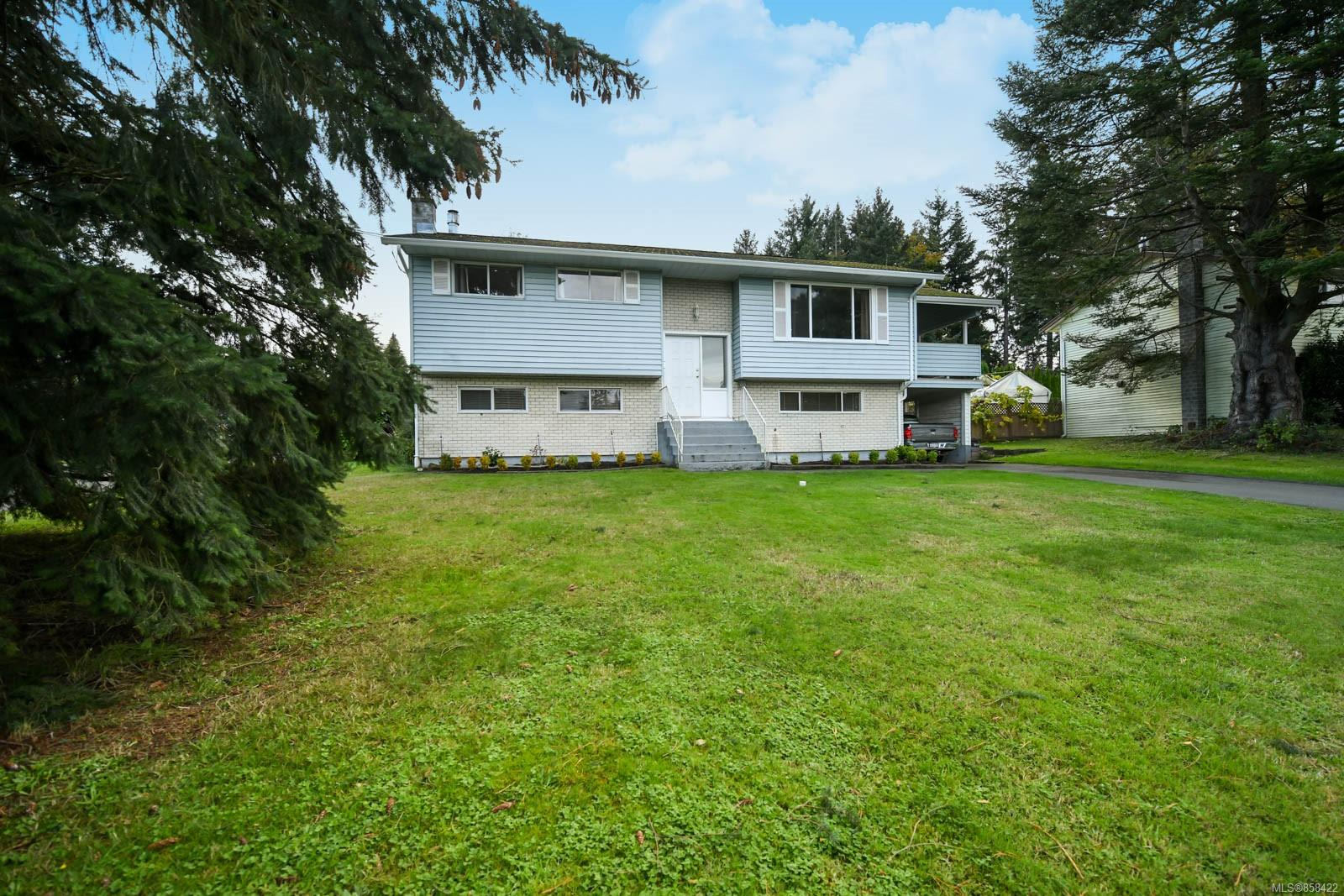 FEATURED LISTING: 613 Nootka St