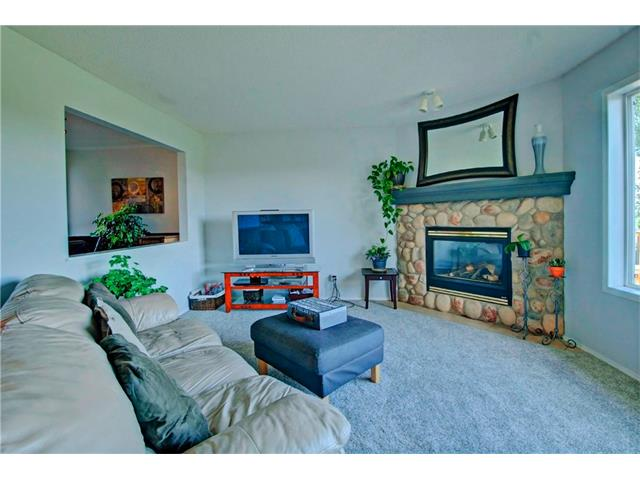 Photo 5: 125 SPRING Crescent SW in Calgary: Springbank Hill House for sale : MLS® # C4077797