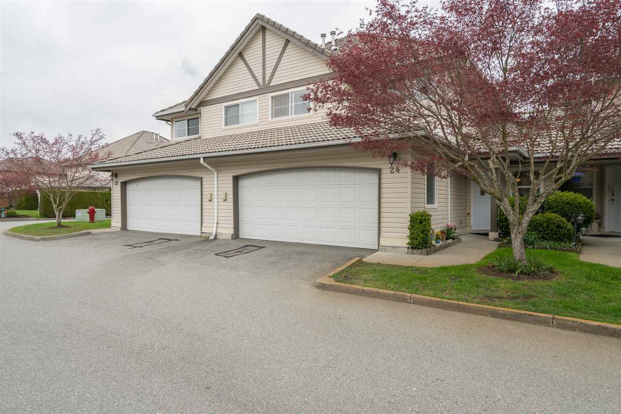 "Main Photo: 24 758 RIVERSIDE Drive in Port Coquitlam: Riverwood Townhouse for sale in ""RIVERLANE ESTATES"" : MLS®# R2259890"