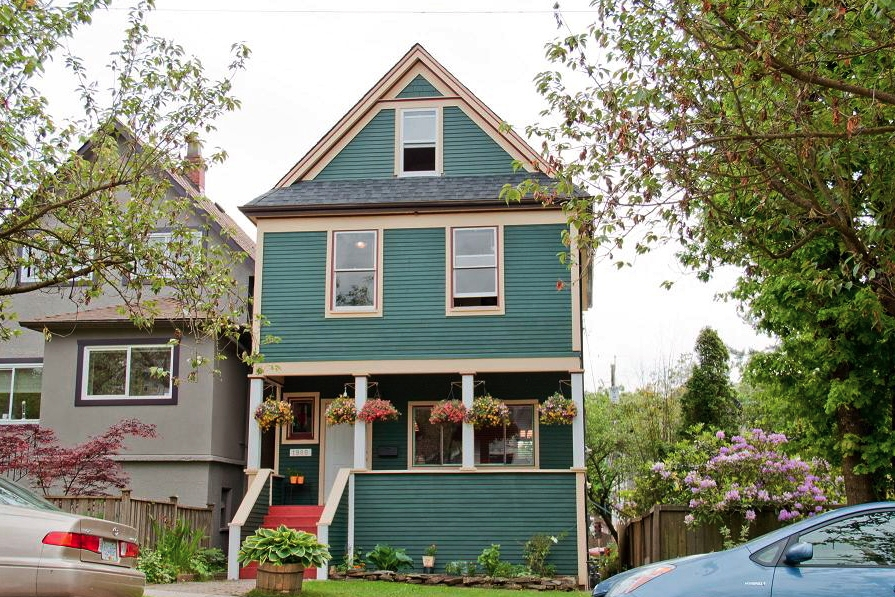 FEATURED LISTING: 1980 CHARLES Street Vancouver
