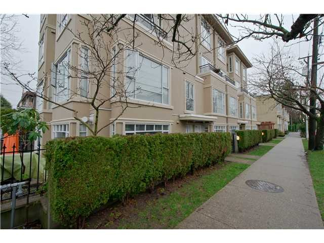 "Main Photo: 2108 YEW ST in Vancouver: Kitsilano Condo for sale in ""KITSILANO"" (Vancouver West)  : MLS® # V1043093"