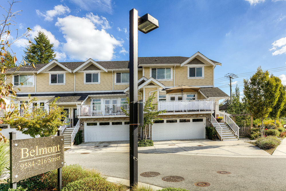 Main Photo: 1 9584 216 Street in Langley: Walnut Grove Townhouse for sale : MLS®# R2003554