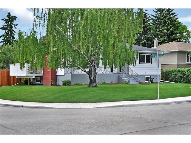 Photo 2: 203 41 Avenue NW in Calgary: Highland Park House for sale : MLS® # C4035983
