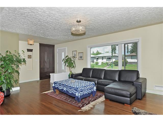 Photo 4: 203 41 Avenue NW in Calgary: Highland Park House for sale : MLS® # C4035983