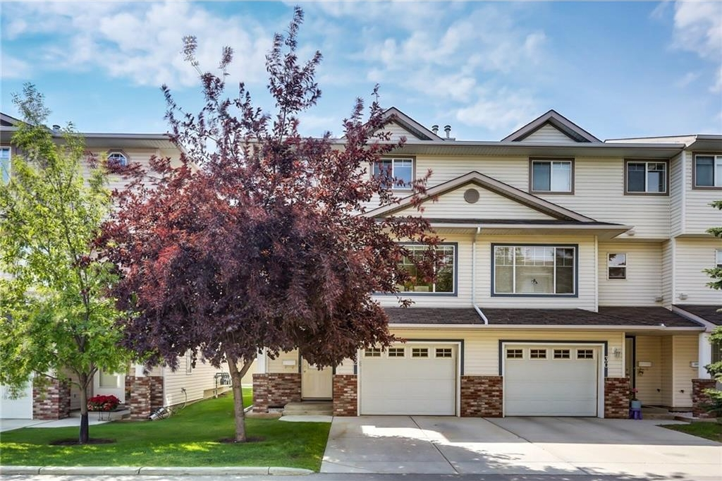 Main Photo: 32 COUNTRY HILLS Cove NW in Calgary: Country Hills House for sale : MLS® # C4131874