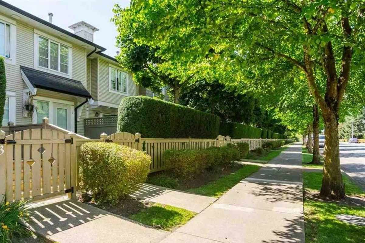 "Main Photo: 8 20540 66 Avenue in Langley: Willoughby Heights Townhouse for sale in ""Amberleigh"" : MLS®# R2264786"