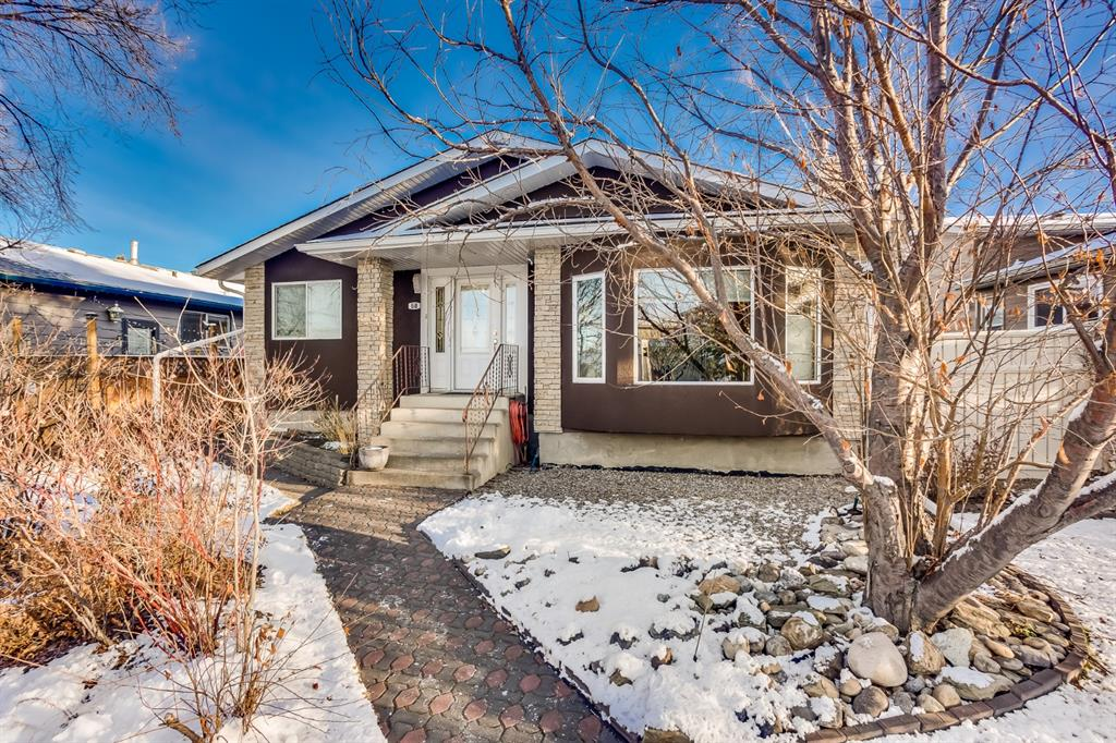 FEATURED LISTING: 60 Taylor Way Southeast Airdrie