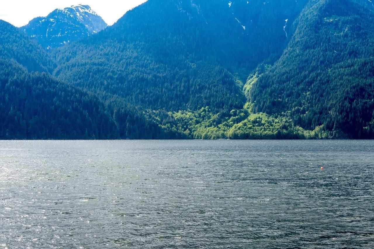 "Photo 3: 29 JOHNSON Bay in North Vancouver: Indian Arm House for sale in ""Johnson Bay"" : MLS(r) # R2160921"