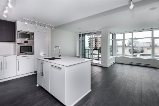 "Main Photo: 305 188 AGNES Street in New Westminster: Downtown NW Condo for sale in ""Elliott"" : MLS(r) # R2180126"