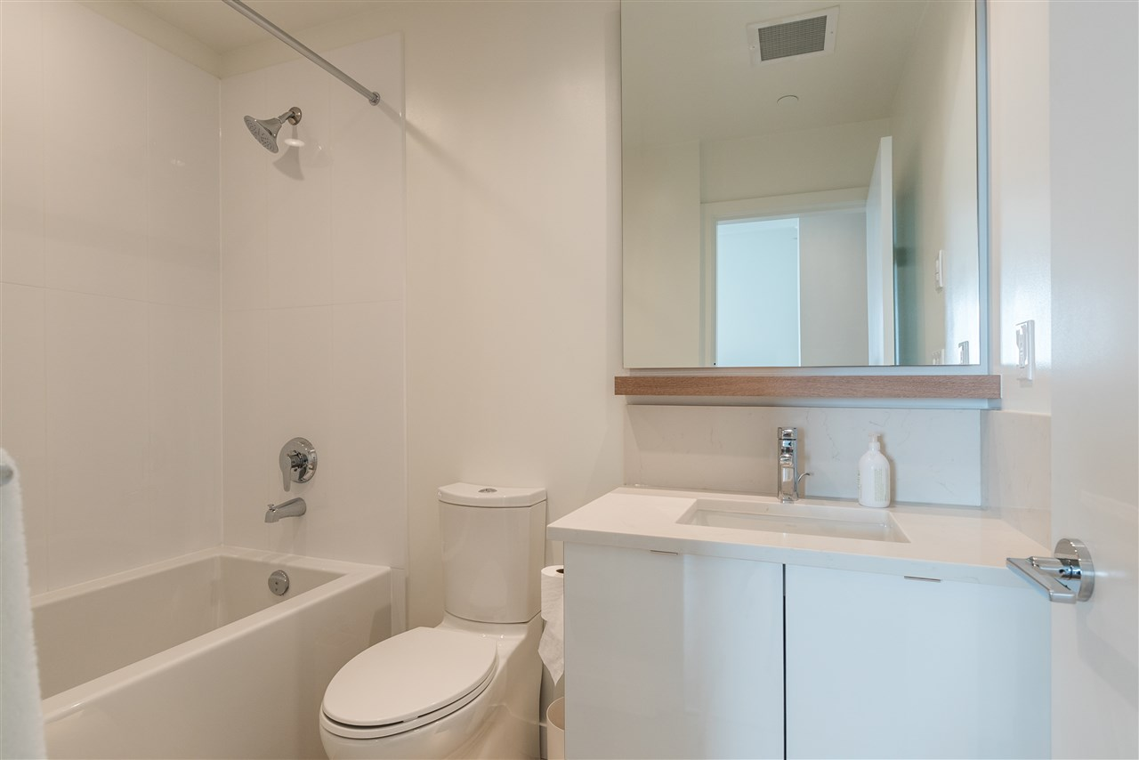 "Photo 9: 206 200 NELSON Crescent in New Westminster: Sapperton Condo for sale in ""THE SAPPERTON"" : MLS® # R2195504"