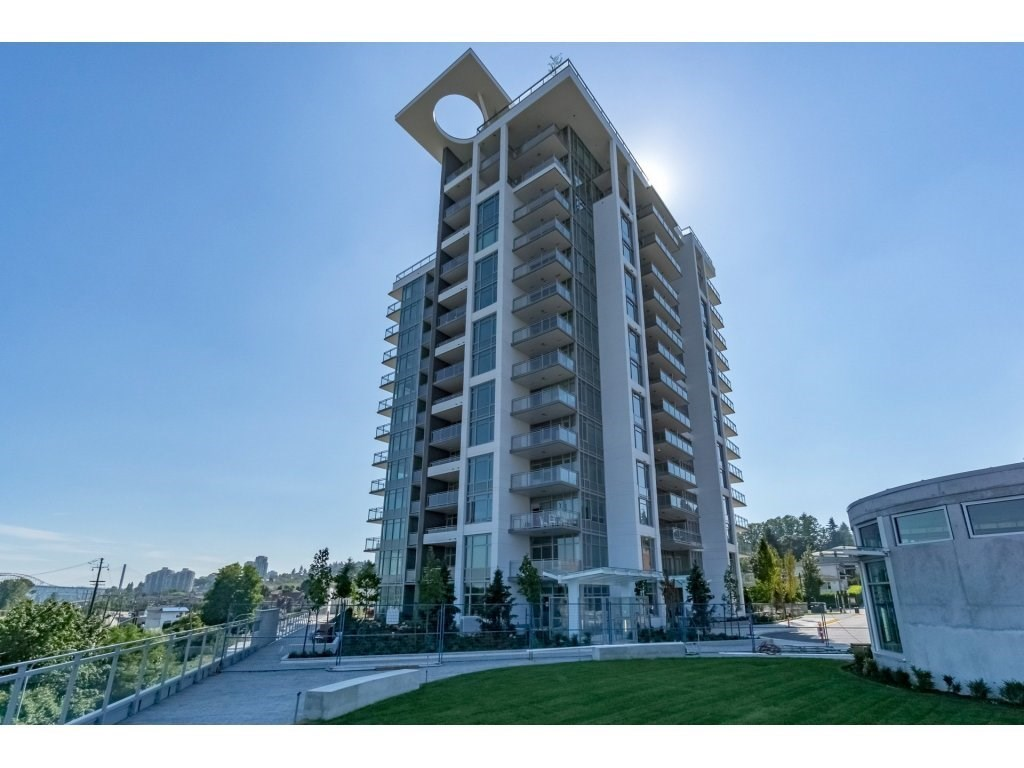 "Main Photo: 206 200 NELSON Crescent in New Westminster: Sapperton Condo for sale in ""THE SAPPERTON"" : MLS® # R2195504"