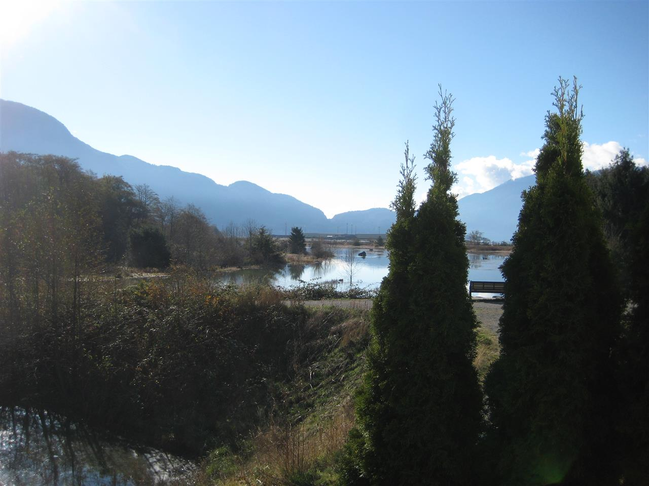 "Main Photo: 7 1204 MAIN Street in Squamish: Downtown SQ Townhouse for sale in ""Aqua"" : MLS®# R2221576"