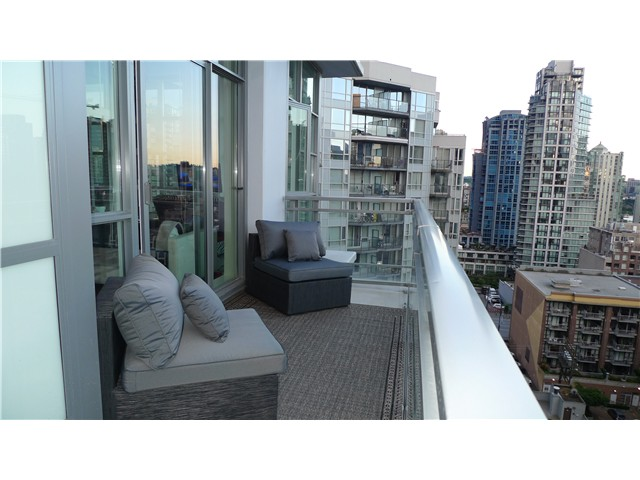 Main Photo: 1206 1205 HOWE Street in Vancouver: Downtown VW Condo for sale (Vancouver West)  : MLS®# V957555