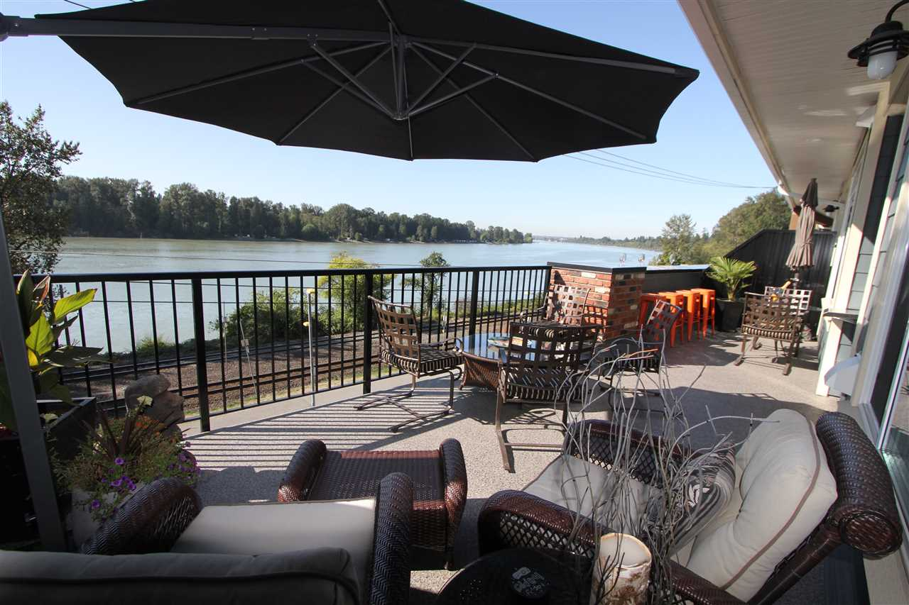 "Main Photo: 308 22327 RIVER Road in Maple Ridge: West Central Condo for sale in ""Reflections On The River"" : MLS®# R2240954"