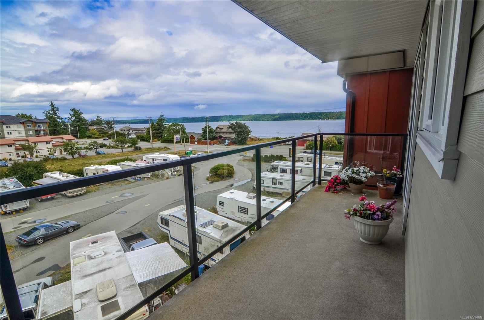 FEATURED LISTING: 408 - 872 Island Hwy South