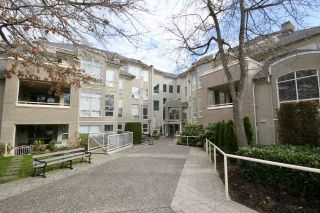 "Main Photo: 303S 1100 56 Street in Delta: Tsawwassen East Condo for sale in ""ROYAL OAKS"" (Tsawwassen)  : MLS® # R2248743"