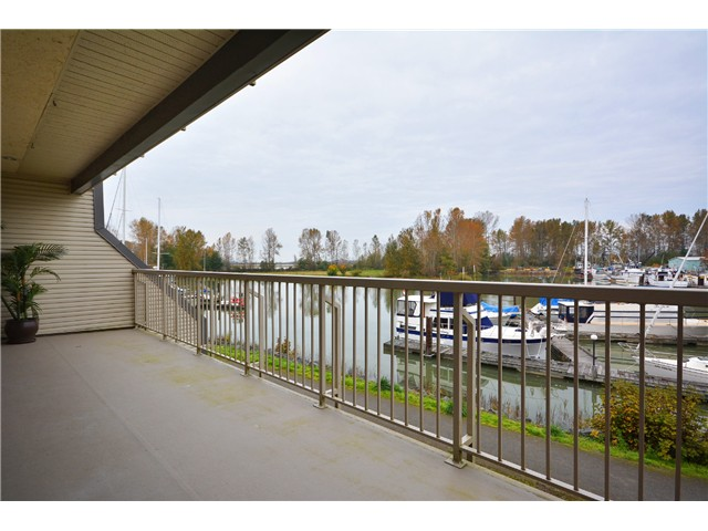 "Main Photo: 209 4803 48TH Avenue in Ladner: Ladner Elementary Condo for sale in ""SEAFARER MARINA ESTATES"" : MLS® # V1032363"