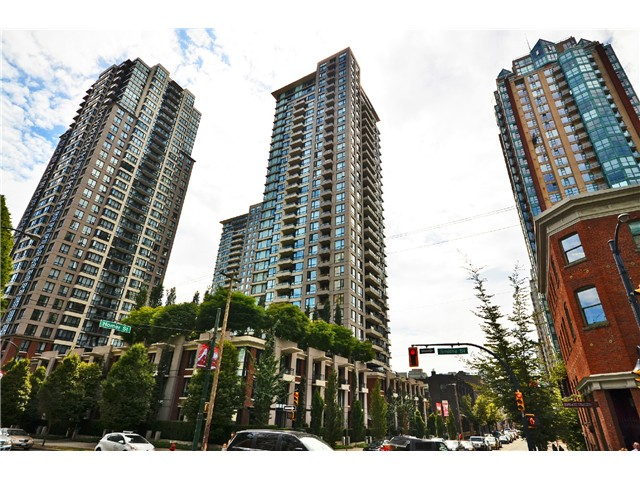 "Main Photo: 2305 928 HOMER Street in Vancouver: Yaletown Condo for sale in ""YALETOWN PARK 1"" (Vancouver West)  : MLS®# V1023790"