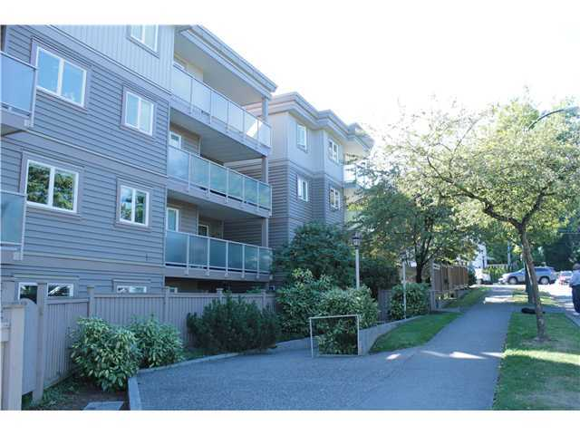 FEATURED LISTING: 301 - 998 19TH Avenue West Vancouver