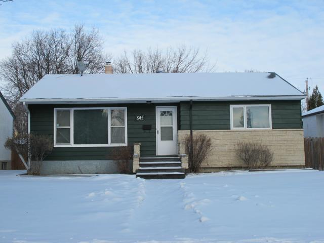 Main Photo:  in WINNIPEG: East Kildonan Residential for sale (North East Winnipeg)  : MLS® # 1201703