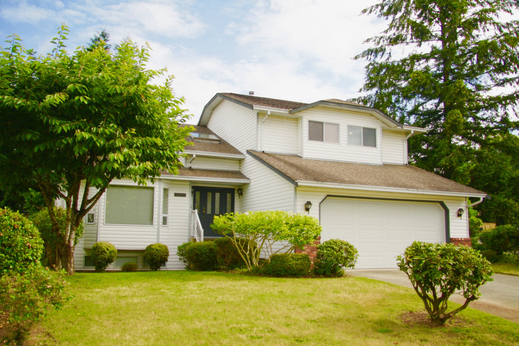 FEATURED LISTING: 33497 Exbury Avenue Abbotsford