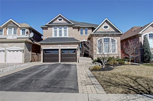 FEATURED LISTING: 2393 Eighth Line Oakville