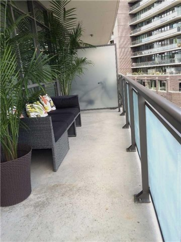 Photo 2: 319 Carlaw Ave Unit #415 in Toronto: South Riverdale Condo for sale (Toronto E01)  : MLS® # E3556672