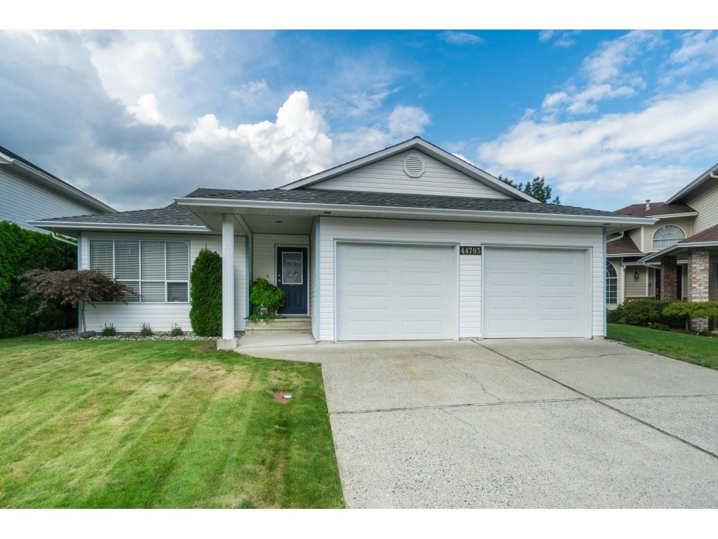 FEATURED LISTING: 44703 ASHBURY Place Chilliwack