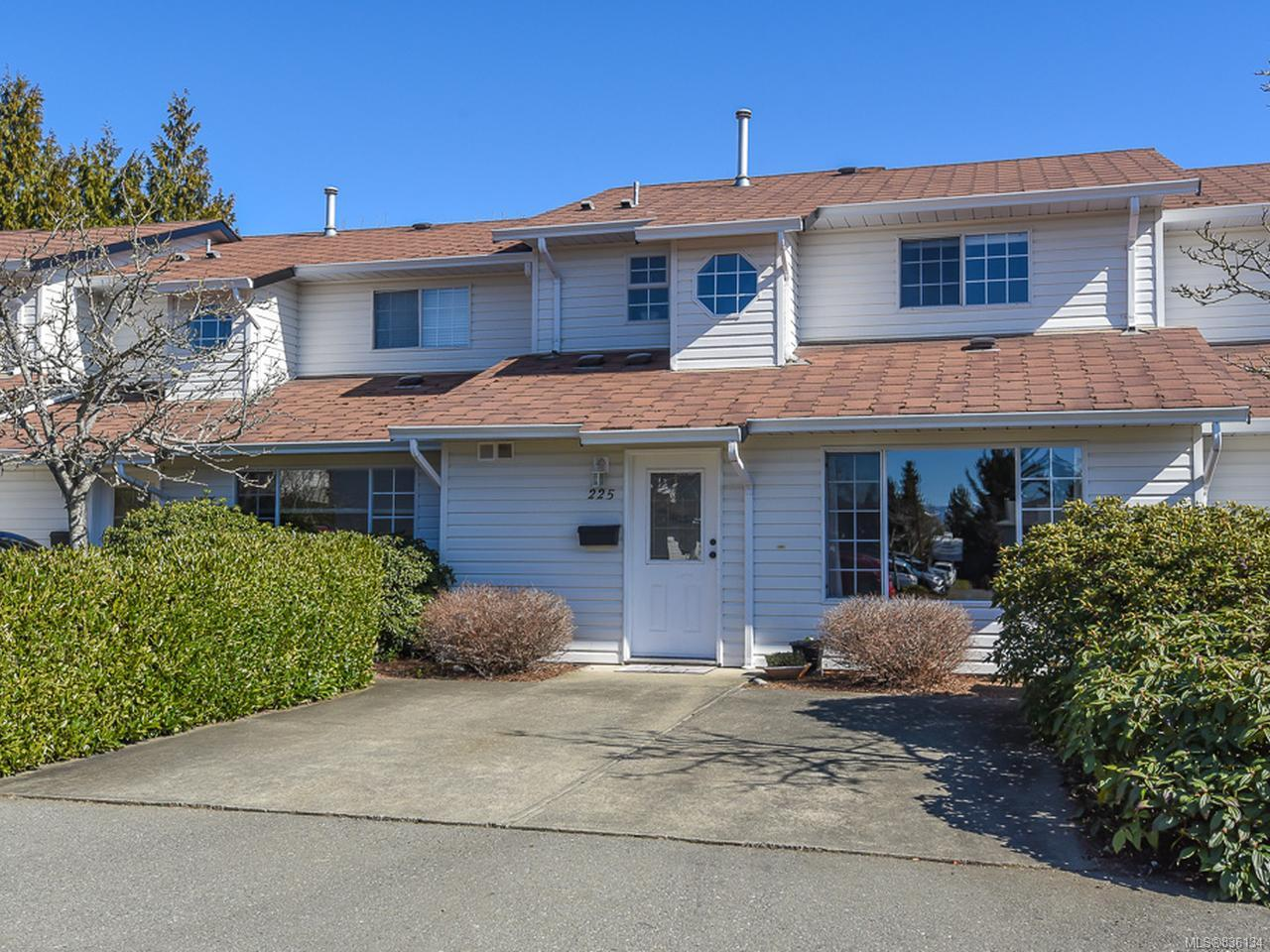FEATURED LISTING: 225 - 680 Murrelet Dr COMOX