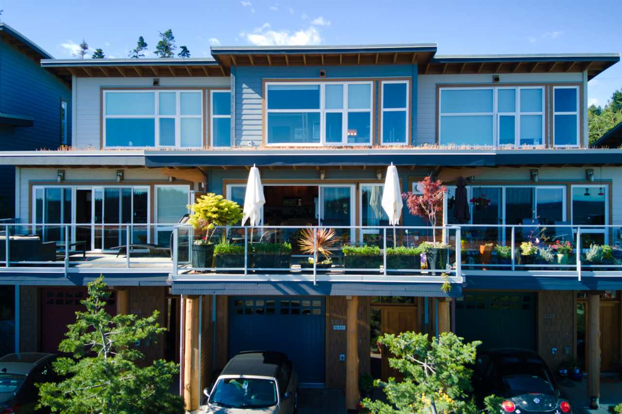 FEATURED LISTING: 5384 WAKEFIELD BEACH Lane Sechelt