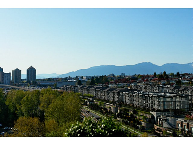 FEATURED LISTING: 1802 - 2133 DOUGLAS Road Burnaby
