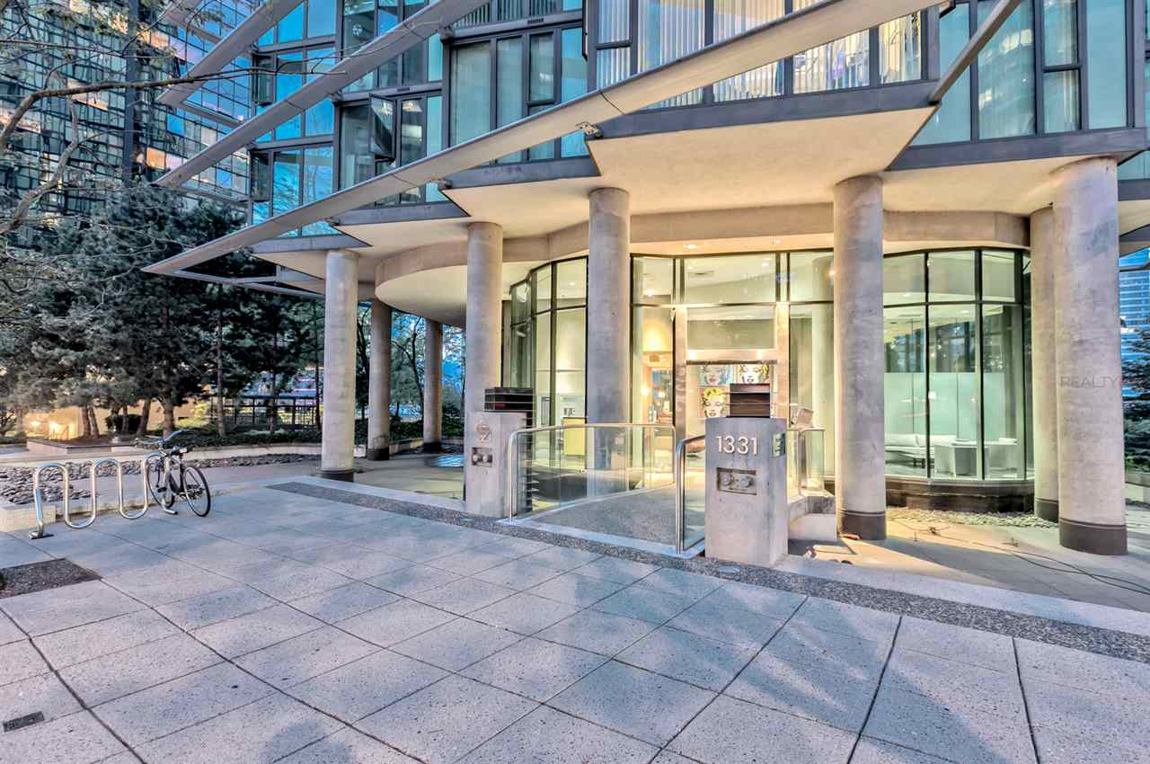 FEATURED LISTING: 807 - 1331 GEORGIA Street West Vancouver
