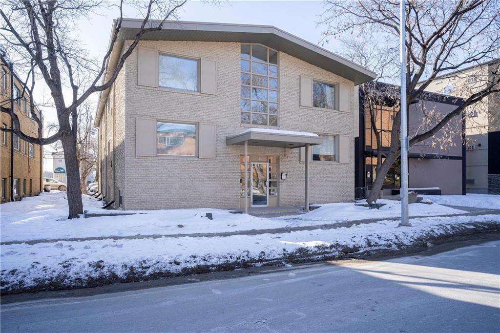 FEATURED LISTING: 12 310 Stradbrook Avenue Winnipeg