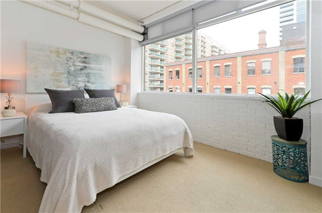 Photo 13: 80 Sherbourne St Unit #303 in Toronto: Moss Park Condo for sale (Toronto C08)  : MLS® # C3377594