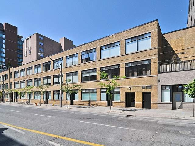 Photo 5: 80 Sherbourne St Unit #303 in Toronto: Moss Park Condo for sale (Toronto C08)  : MLS® # C3377594