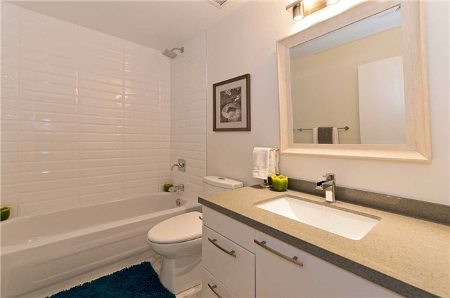 Photo 3: 80 Sherbourne St Unit #303 in Toronto: Moss Park Condo for sale (Toronto C08)  : MLS® # C3377594
