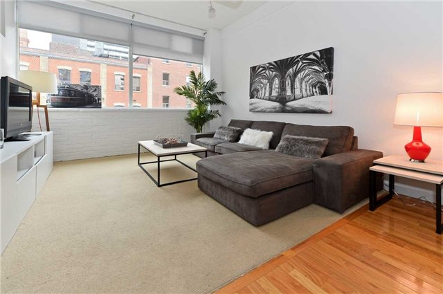 Photo 11: 80 Sherbourne St Unit #303 in Toronto: Moss Park Condo for sale (Toronto C08)  : MLS® # C3377594