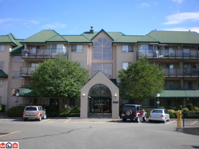 Main Photo: 305 2960 Trethewey Street in Abbotsford: Abbotsford West Condo for rent