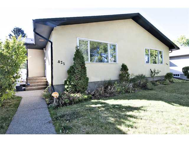 Main Photo: 421 37 Street SW in CALGARY: Spruce Cliff Residential Attached for sale (Calgary)  : MLS® # C3540631