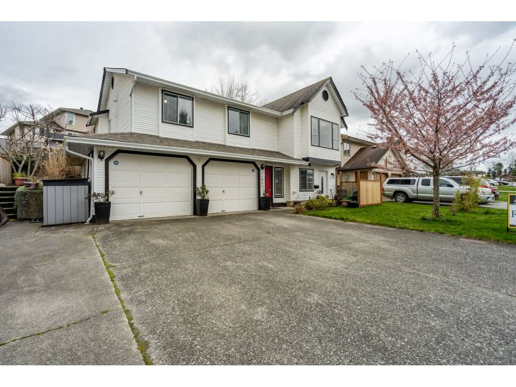 FEATURED LISTING: 31031 CREEKSIDE Drive Abbotsford