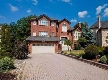 FEATURED LISTING: 1835 Chesbro Court Mississauga