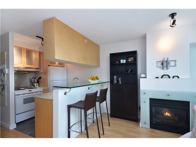 "Main Photo: 906 1003 BURNABY Street in Vancouver: West End VW Condo for sale in ""MILANO"" (Vancouver West)  : MLS®# V996614"