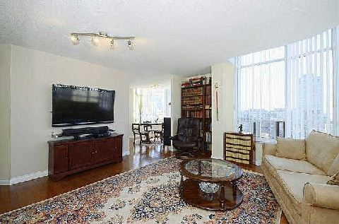 Photo 4: 25 Maitland St Unit #1804 in Toronto: Church-Yonge Corridor Condo for sale (Toronto C08)  : MLS® # C3014610
