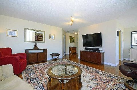Photo 5: 25 Maitland St Unit #1804 in Toronto: Church-Yonge Corridor Condo for sale (Toronto C08)  : MLS® # C3014610