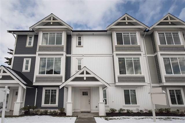 Main Photo: 17 2832 Clearbrook Road in Abbotsford: Townhouse for sale : MLS®# R2151091